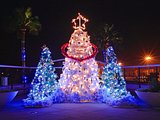 Festive illuminations around Christmas 1600x120035 pics
