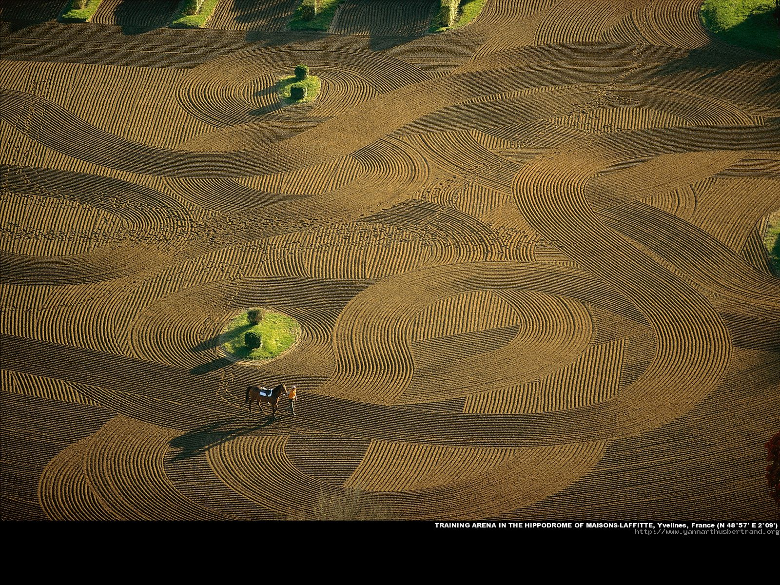 1600 1200 earth from above france yann arthus bertrand aerial photography - Maison arthus bertrand ...